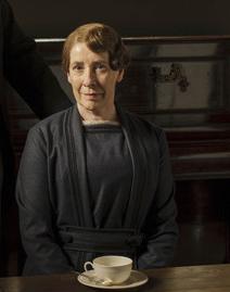 mrs-hughes-saison-5-downton-abbey